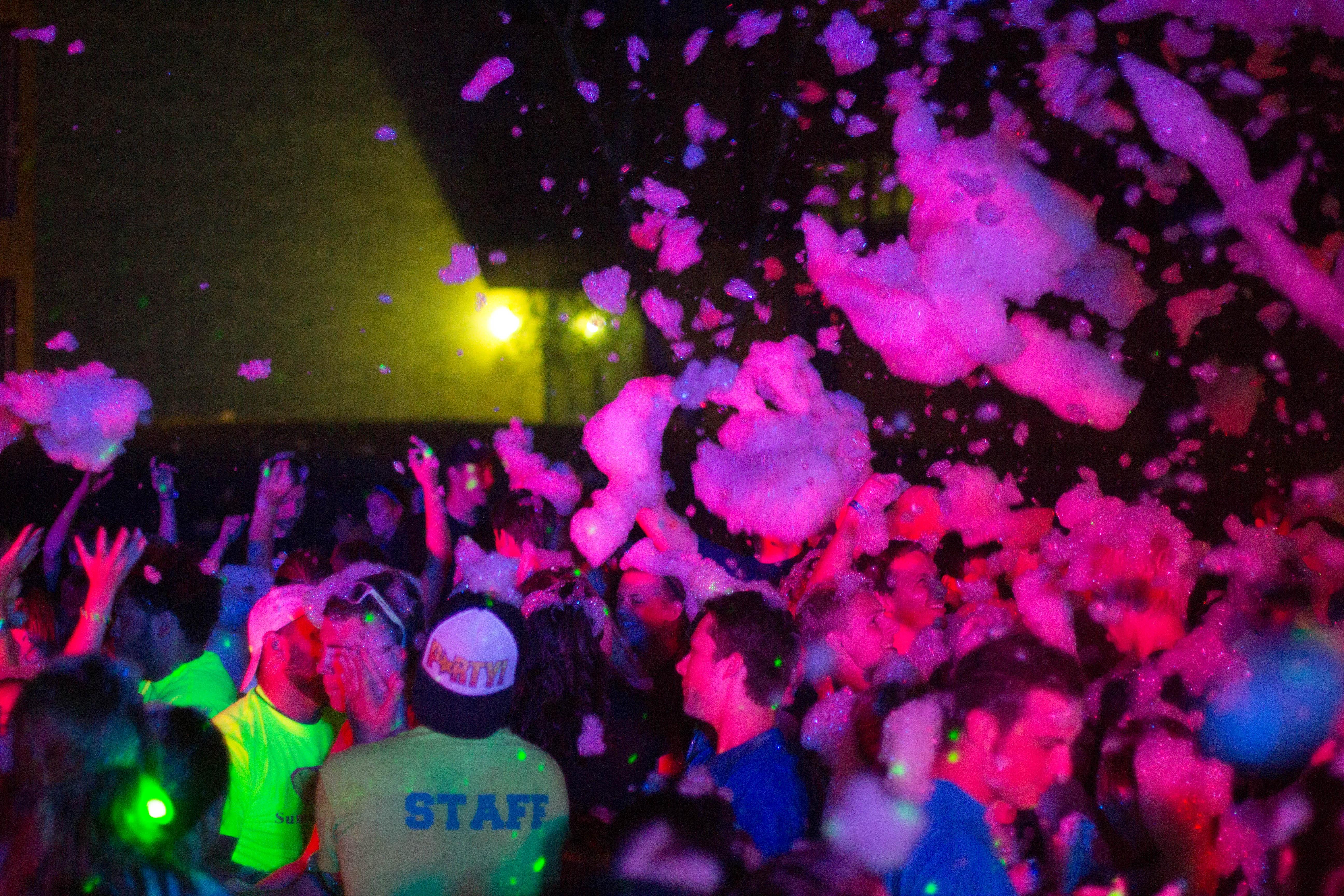 Foam Dance